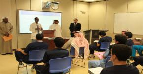 لقاء تعريفي للارشاد الاكاديمي مع طلاب كلية التمريض