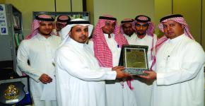 نادي المعلومات يكرم الدكتور الزامل