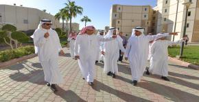 جولة تفقدية لمدير جامعة الملك سعود في إسكان الطلاب