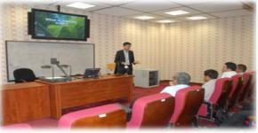 محاضرة في قسم الكيمياء عن قضايا السلامة في منتجات زيت النخيل