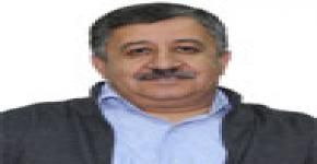 Dr. Hussein Obeidat discusses applied linguistics as part of lecture/workshop series