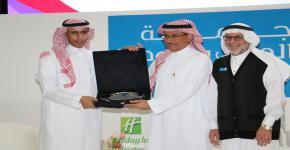 """معالي مدير جامعة الملك سعود يفتتح فعالية """"إنجازٌ بجودة"""""""