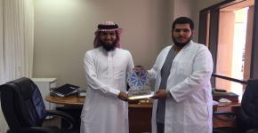 كلية الصيدلة تكرم اللجنة الإعلامية لصندوق الطلاب