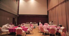 مركز ذوي الاحتياجات يُقيم دورة في طريقة اللبس والأكل للمكفوفين
