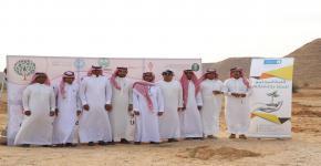 كلية المجتمع تشارك في حملة التشجير