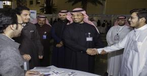 توجيه أكثر من 8000 طالب و طالبة بالسنة الاولى المشتركة بجامعة الملك سعود لاختيار تخصص المستقبل