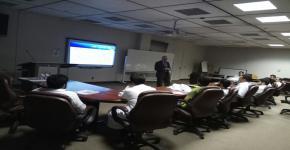 وحدة التدريب وخدمة المجتمع تنظم دورة بعنوان (اسس ومهارات صناعة المستقبل المهني والتوظيف للخريجين)