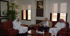وكيل جامعة الملك سعود للدراسات العليا والبحث العلمي سعادة الأستاذ الدكتور خالد الحميزي يستقبل مستشار وأستاذ كرسي المؤشرات الحيوية للأمراض المزمنة