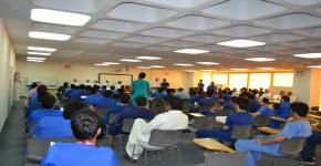 اجتماع المجلس الاسشتشاري الثاني وتكريم المشاركين في الفعاليات في كلية الامير سلطان