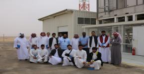نادي الهندسة الكيميائية يُنظم زيارة إلى القرية الشمسية في العيينة