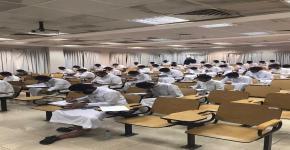 700 طالب أدوا اختبار 109 إحص