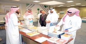 معرض الكتاب المتخصص بكلية العمارة والتخطيط