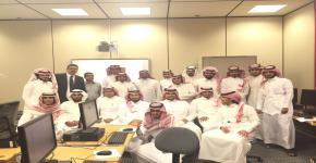 النادي الثقافي والإجتماعي بكلية التربية يُقيم دورة   تدريبية  بعنوان :  تطبيقات الحاسب في التعليم