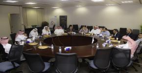 مناقشة الاحتياجات التدريبية للأقسام الأكاديمية بعمادة السنة الأولى المشتركة في ورشة عمل