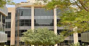 زيارة وفد جامعة الملك فهد للبترول والمعادن لسكن الطالبات بالجامعة