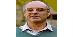 البروفيسور مارتن كارفر ضيفاً بقسم الآثار بكلية السياحة والآثار