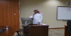 """الماجستير لــ""""صلاح الحسياني"""" عن العلاقات العامة والإعلام في المكتبات الجامعية"""