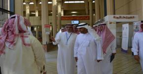 زيارة د. عبد العزيز العثمان لكلية السياحة والآثار