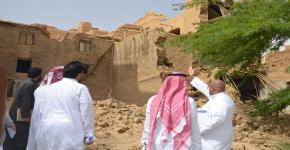 طلاب التدريب الميداني بقسم إدارة موارد التراث والإرشاد السياحي في تدريب عملي في عرقة التاريخية