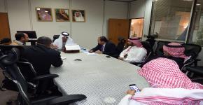 وفد جامعة الإمام عبدالرحمن الفيصل بالدمام يطلع على تجربة برنامج الوصول الشامل ويشيد بمرجعتيه في المجال