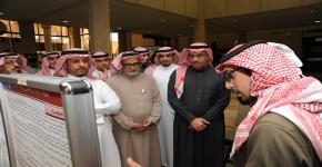 د. النمي يرافق معالي مدير الجامعة في جولته بكلية العلوم