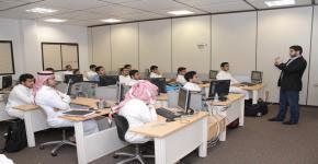 ضمن أنشطة برنامج الطلبة المتفوقين برنامج إثرائي في الحاسب الآلي بالسنة التحضيرية