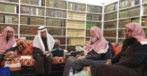 كرسي الأمير سلطان بن عبد العزيز للدراسات الإسلامية المعاصرة يعقد اجتماعه الدوري برئاسة سماحة مفتي عام المملكة المشرف العام على الكرسي.