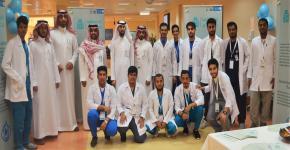 نادي كلية الصيدلة ينظم فعالية ((احفظها صح)) في مستشفى الملك خالد الجامعي
