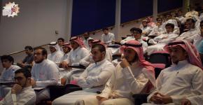 نادي الهندسة الميكانيكية ينظم محاضرة عن الهندسة وسوق العمل