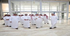 أمير منطقة الرياض بالنيابة يتفقد أوقاف جامعة الملك سعود