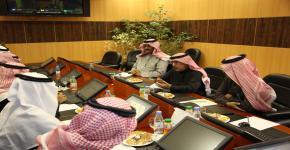 العامري يجتمع مع نائب مدير عام معهد الإدارة العامة