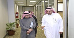 وكيل  جامعة الدمام يزور  عمادة شؤون هيئة التدريس والموظفين