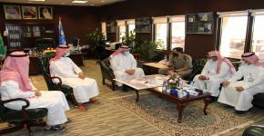 وكيل الجامعة للمشاريع يجتمع مع رئيس شعبة السير بمرور شمال الرياض لمناقشة الازدحام المروري بجادة الجامعة