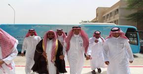 معالي الشيخ عبدالله المطلق في لقاء توعوي متنوع بكلية المجتمع