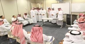 زيارة د.عبدالعزيز العثمان لمقر برنامج الصم وضعاف السمع في كلية التربية
