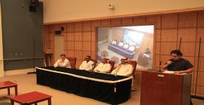 """كلية التمريض تنظم محاضرة لطلابها بعنوان """" التعريف بالمهنة والفرص الوظيفية """""""