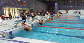 اقامة بطولة الجامعة للسباحة طلاب