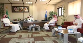 عميد الكلية يستقبل المستشار والمتخصص في الاستثمار والتسويق الرياضي  أ.خالد الربيعان
