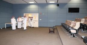 وكيل الجامعة للشؤون التعليمية والأكاديمية يزور كلية علوم الرياضة والنشاط البدني