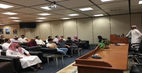 وحدة الخريجين بكلية اللغات والترجمة تعقد محاضرة للطلاب المتوقع تخرجهم