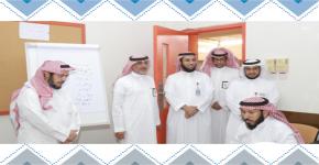 المشرف على المركز يزور إدارة التدريب التربوي والابتعاث بإدارة تعليم الرياض