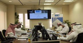 د.العثمان يعقد الاجتماع الأول للمركز التربوي للتطوير والتربية المهنية