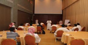 نادي المسرح يُقيم دورة تدريبية للتمثيل المسرحي لطلاب الجامعة