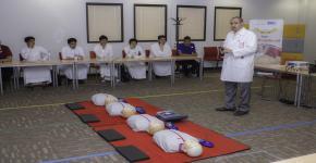 الأولى المشتركة تدرب 35 طالباً متفوقاً على الانعاش القلبي