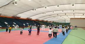 80 مشارك في دورة تعليم التايكوندو لأبناء منسوبي الجامعة