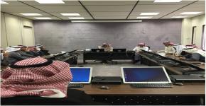 سعادة عميد كلية العلوم يعقد اجتماع مع مشرفين الكراسي بكلية العلوم