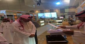 معالي مدير الجامعة يزور جناح الجامعة في معرض الرياض الدولي للكتاب