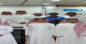 كرم عميد كلية الهندسة الطالب محي الدين لاعب منتخب الجامعة لكرة القدم