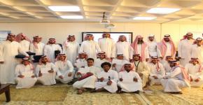كلية المجتمع تكرم الطلاب المتميزين
