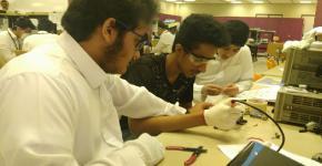 كلية الهندسة تنفذ برنامج موهبة الاثرائي المحلي وتستضيف آخر دولي